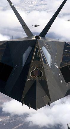 Niewykrywalny samolot B2
