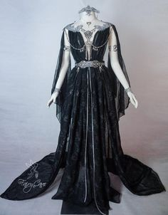 Hey fairies, I bring you good news! 🖤 A dark elf dress is available in our etsy store! I got the materials to create one more of these,… Ball Dresses, Bridal Dresses, Ball Gowns, Bridal Gown, Bridesmaid Dresses, Pretty Outfits, Pretty Dresses, Beautiful Outfits, Gothic Outfits