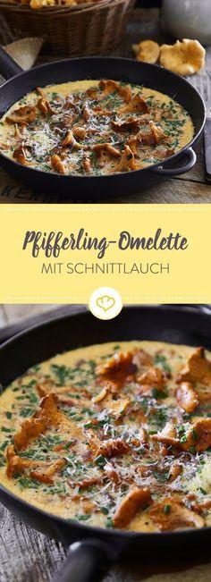 Egal, ob Frühstück, Lunch oder Abendessen - ein gut gemachtes Omelette mit Pfifferlingen und Schnittlauch geht immer als Mahlzeit durch.