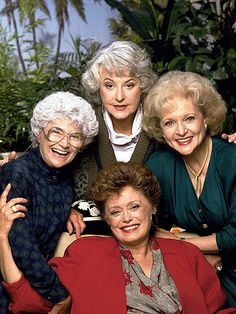The Lego Golden Girls Set Could Become a Reality. Attention, Golden Girls fans, you might just get to play with Lego versions of Dorothy, Sophia, Rose and Blanche. Estelle Getty, Betty White, Star Wars, Classic Tv, Marceline, Celebs, Celebrities, Woman Painting, Seinfeld