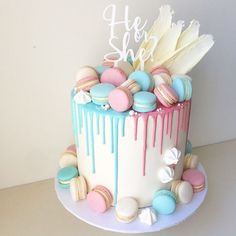 Baby Shower Cake Gender Reveal Party Food and Baby Shower Drinks Ideas Tags: gender reveal party … Baby Cakes, Baby Shower Cakes, Décoration Baby Shower, Baby Reveal Cakes, Gateau Baby Shower, Baby Shower Drinks, Baby Gender Reveal Party, Baby Shower Desserts, Cupcake Cakes