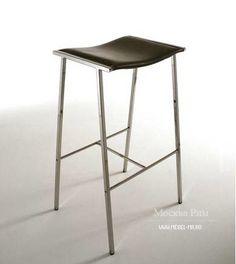Барный стул от итальянского производителя Fasem. Модель на металлическом каркасе. Обивка предлагается из кожи. Вариант цвета на выбор из ассортимента компании. Модель прекрасно дополнит современный интерьер бара.