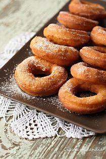 Food Cakes, Onion Rings, Sorbet, Bagel, Doughnut, Cake Recipes, Sausage, Bread, Ethnic Recipes