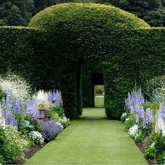60+ Formal Garden Design Ideas - In this article we will discuss how to design a strictly formal garden on a large, rectangular area. Designing formal garden needs a little bit of hard work on your behalf. You have to keep all the main points and area in mind while designing a layout.