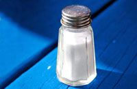 8 High-Sodium Bloat Bombs at Chain Restaurants Low Glycemic Index Foods, Sore Throat Remedies, High Sodium, Sodium Intake, Grain Of Salt, Master Cleanse, Food Charts, Best Diet Plan, Heart Healthy Recipes