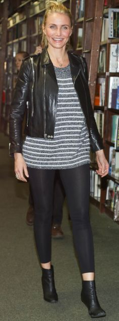 Striped sweater + leather jacket like Cameron Diaz Grey Sweater Outfit, Sweater Outfits, Casual Outfits, Fashion Outfits, Womens Fashion, Cameron Diaz Style, Riding Boots Fashion, Leggings Are Not Pants, Everyday Fashion