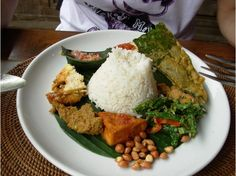 Nasi Campur is one of the most popular everyday dishes among Balinese people #balifood #rice