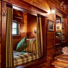 Lake House Design, Pictures, Remodel, Decor and Ideas - it's like a cabin design Bed Nook, Cozy Nook, Cozy Cabin, Alcove Bed, Guest Cabin, Cabin Homes, Log Homes, Cabin Design, House Design