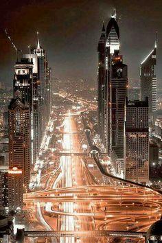 Iluminación nocturna de Dubai