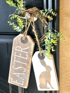 """easter decorations 45599014963252587 - Rustic """"Easter"""" Door Tags Set Source by sbtradingco Diy Spring, Spring Crafts, Holiday Crafts, Easter Projects, Easter Crafts, Wood Tags, Hoppy Easter, Easter Holidays, Wooden Crafts"""