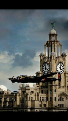 Vintage Aircraft A Lancaster bomber flying over the River Mersey, and past the Royal Liver Building, Liverpool Military Jets, Military Aircraft, Drones, Liverpool Home, Liverpool History, Lancaster Bomber, Ww2 Planes, Ww2 Aircraft, Foto Art