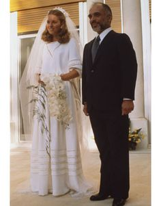 In 1978, Queen Noor (born Lisa Najeeb Halaby) chose a Christian Dior gown for her marriage to King Hussein of Jordan.
