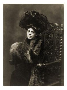 Ethel Barrymore c. Silent movie actress and sound. She was one of the twentieth century's most elegant, beautiful and gifted actresses. Antique Photos, Vintage Pictures, Vintage Photographs, Vintage Images, Old Photos, Victorian Photos, Edwardian Era, Edwardian Fashion, Victorian Women