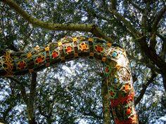 crochet tree Crochet Tree, Freeform Crochet, Tree Sleeve, Art Yarn, Yarn Bombing, Horse Sculpture, Outdoor Art, B & B, Fabric Crafts