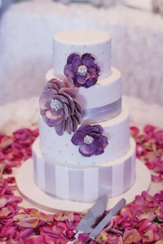 Purple wedding cake  #Purple #wedding … Wedding #ideas for brides, grooms, parents & planners https://itunes.apple.com/us/app/the-gold-wedding-planner/id498112599?ls=1=8 … plus how to organise an entire wedding, within ANY budget ♥ The Gold Wedding Planner iPhone #App ♥ For more inspiration http://pinterest.com/groomsandbrides/boards/ #same #sex #wedding #gay #lesbian #wedding