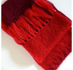 Rose Carmine - Scarf XL Red Bordeaux Baby Alpaga - Shop Now on www.lesparigotes.com