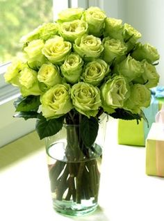 green roses..pantone color of the year