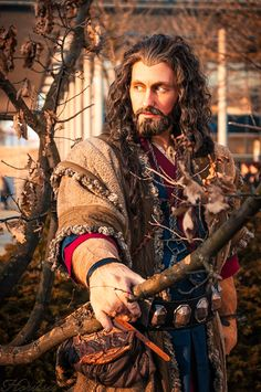 Wow!   He looks great!   Where do people get the wigs?  ~ Spot on cosplay of Thorin Oakenshield from The Hobbit.