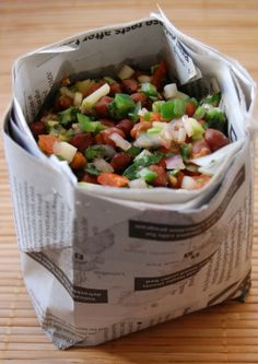 Streetside Kala Chana Chaat from Indian Appetizers, Indian Snacks, Indian Food Recipes, Indian Salads, Indian Dishes, Mumbai Street Food, Indian Street Food, Healthy Recipes, Snack Recipes