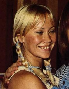 'Agnetha's most dazzling smile' thread..and about time, too ! 1976