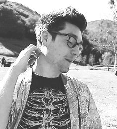 OMG!!!!! I HAVE FOUND THE MOTHER LOAD!!!!! A BUNCHOF GIFS WITH DAN SMITH!!!!  I LOVE YOU BRO!