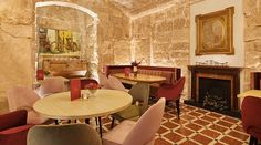 Centrally located in Palma de Mallorca, the Gloria de Sant Jaume is a centrally located hotel in the city, set in a palace. Hotel Palma, Architectural Elements, 16th Century, Old Town, Restoration, Dining Table, Traditional, Boutique, The Originals