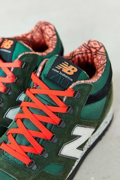 New Balance 710 Classic Suede Trail Sneaker in Green