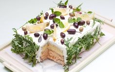 This is a sandwich cake. smörgåstårta in swedish, voileipäkakku in finnish. Both directly translate to sandwichcake It's basically just a big-ass sandwich, in f - added by ukulisti at Meatball Sandwhich Cake, Hummus Sandwich, Buffet Frio, My Favorite Food, Favorite Recipes, Vegan Wine, Sandwiches, Salty Foods, Salty Cake