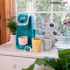 Spring into Summer with our K200 brewer and choose from a beautiful array of colors to brighten up any kitchen this season!