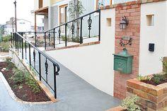 アイアン手すりがお洒落なバリアフリースロープ アプローチ・階段 Decks And Porches, Stairs, Interior, Home Decor, Stairway, Decoration Home, Indoor, Room Decor, Staircases