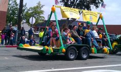 Rodeo Parade Float Pictures | Parade float resized