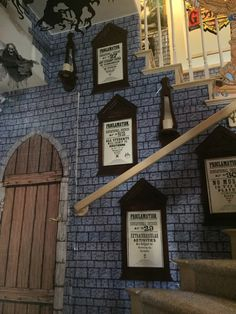 My own props- Halloween 2016- Harry Potter- Wall of portraits -details