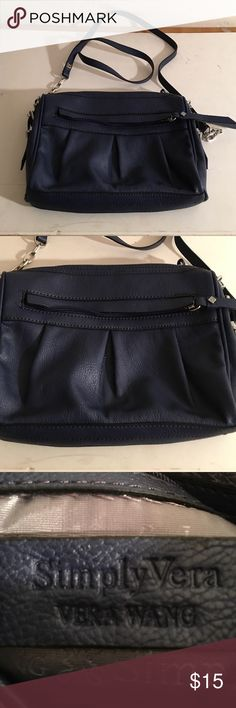 VERA WANG NAVY CROSSBODY BAG 9 by 7 SIMPLY VERA BY VERA WANG NAVY CROSSBODY BAG SIZE 9 by 7 LOTS OF COMPARTMENTS ZIPS ACROSS THE TOP. VERY GOOD CONDITION SIMPLY VERA Bags Crossbody Bags