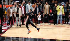 Minute-by-minute report: Zach LaVine becomes the fourth back-to-back champion in NBA Slam Dunk Contest history. Zach LaVine wins NBA Slam Dunk Contest 2016 2/13/2016