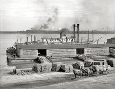 """The Ohio River at Louisville, Kentucky, circa """"The levee"""" Old Pictures, Old Photos, Vintage Photos, Shorpy Historical Photos, Steam Boats, My Old Kentucky Home, Ohio River, Louisville Kentucky, Boat Plans"""
