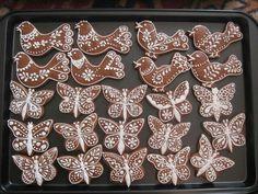 Pierniczki: Butterflies and birds. Decorated Cookies, Baking Ideas, Biscotti, Cookie Decorating, Diy Christmas, Butterflies, Birds, Holidays, Beautiful