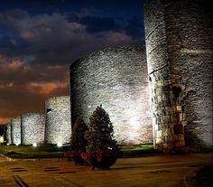 La muralla de #Lugo, uno de los monumentos históricos más conocidos de #Galicia