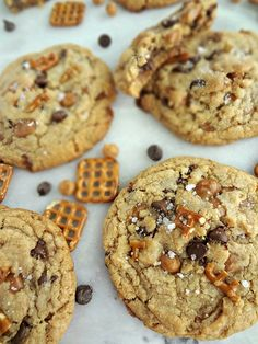 Sweet & Salty Kitchen Sink Cookies {Panera Copycat}-a recipe for giant, chewy, cookies with pretzels, caramel bits, and chocolate chips. SO GOOD! Caramel Cookies, Chocolate Cookie Recipes, Easy Cookie Recipes, Chocolate Chip Cookies, Sweet Recipes, Dessert Recipes, Chocolate Chips, Pretzel Cookies, Pretzels