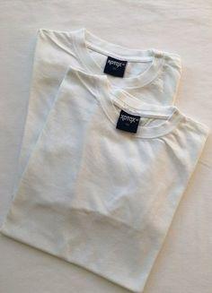 Kaufe meinen Artikel bei #Mamikreisel http://www.mamikreisel.de/kleidung-fur-jungs/sets-and-kleidungspakete/35619493-doppelpack-mit-weissen-basic-shirts-von-xotox