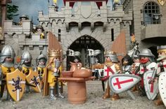 Lego Knights, Toy Display, Gnome Garden, Game Pieces, Farm Gardens, New Hobbies, Jouer, History, Cool Stuff