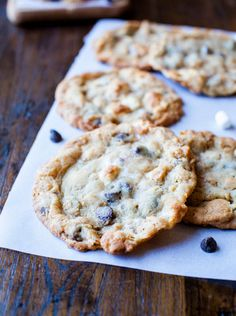 Cornflake Chocolate Chip Marshmallow Cookies. Big (huge) bakery-style gooey 'n chewy cookies. Recipe from the Momofuku Milk Bar cookbook.