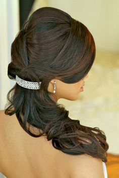 Low ponytail curls for wedding day hair