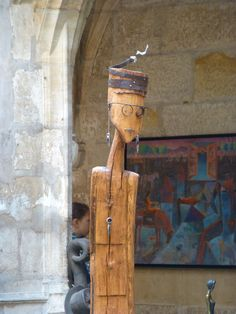 Close-up of wood sculpture by Niko http://entreetoblackparis.blogspot.fr/2013/03/africa-unlimited-at-cloitre-des.html