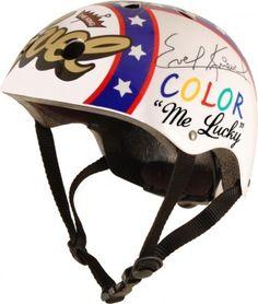 Même les têtes dures comme le champion Evel Knievel ont besoin de se protéger...