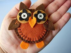 "felt owl just so cute!     ""frankie"" by maximum RABBIT designs, via Flickr"