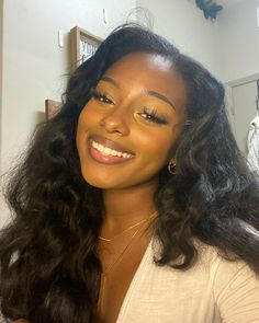 Black Girl Aesthetic, Aesthetic Hair, Pretty Black, Beautiful Black Women, Cute Makeup, Makeup Looks, Pretty People, Beautiful People, Bare Face
