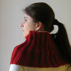 Red Chunky Cowl Knitted in Merino Wool | knitBranda