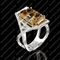 Ring from the collection Solo. 18K yellow and white gold, wine topaz, diamonds.