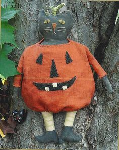 Primitive Folk Art Halloween Pattern:  SPOOK on Etsy, $7.25
