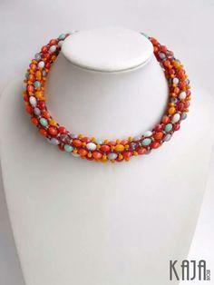 Necklace by Karolína Emingrová Beaded Jewelry, Beaded Necklace, Necklaces, Spirals, Bead Weaving, Beading, Pendant, Jewerly, Beaded Collar